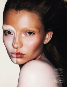 Carola-Remer-Vogue-Japan-April-2012-beauty-4